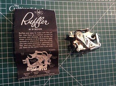 Vintage  SINGER 161561 Ruffler Sewing Machine Attachment Foot
