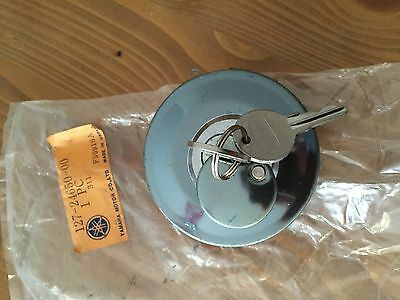 Yamaha 125 AS3, RD 125, RD 200, NOS fuel tank cap with lock / bouchon neuf