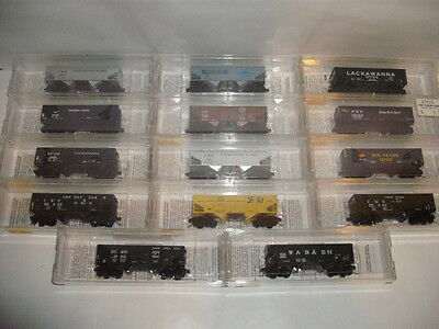 N Scale Micro Trains Twin Bay Hoppers Lot