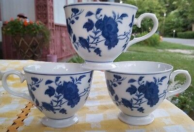 Royal Meissen Lot Of 3 Cups  Blue And White