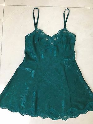 Victoria's Secret Green Camisole Lingerie Adjustable with lace trim- size S UEC