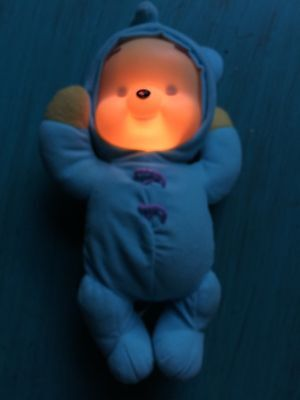 MUSICAL Fisher Price DREAM GLOW WINNIE Pooh DOLL Bear LIGHT UP GLO BABY FLAW