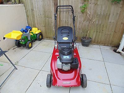 Mountfield M6 Self Propelled 21 Inch Cut Lawnmower With Honda Engine