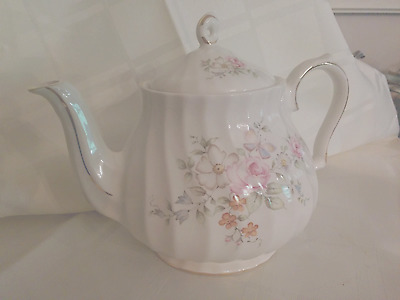 Pretty Sadler Teapot Floral and Butterfly