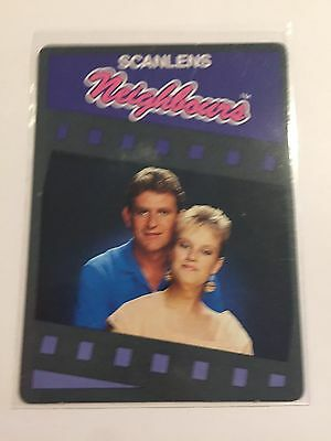 1987 SCANLENS Neighbours Collectible Card #34 Ramsay Street Most Loving Couple