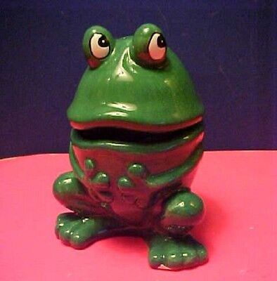 St. Patrick's Day Good Luck FROG Salt & Pepper Nested Shakers