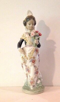 Lladro Valencian Girl With Flowers Figurine