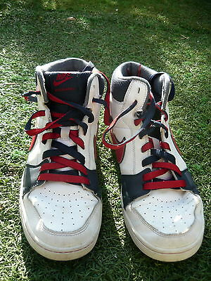 NIKE basketball shoes Size 6y / 24cm