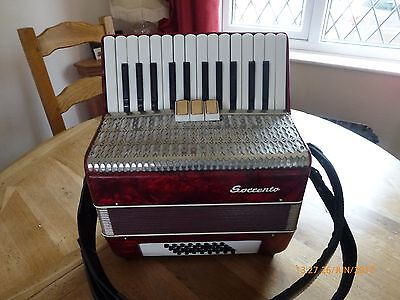 WOW lovely Ladies piano accordion GERMAN Sorrento 32 bass