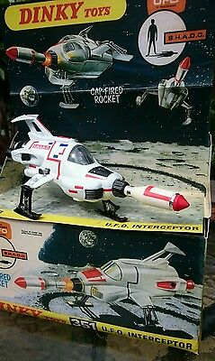 BOXED COMPLETE 351 DINKY Toys UFO shado interceptor Gerry Anderson TV SERIES