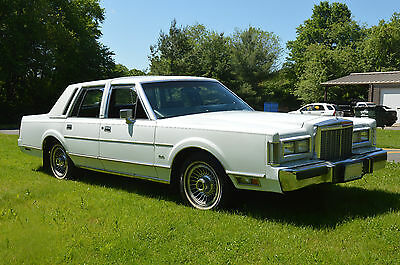 1987 Lincoln Town Car  1987 lincoln Continental Town Car Blue Leather Interior