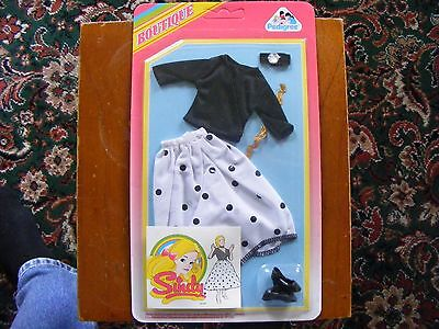 Vintage Sindy Carded sealed, Boutique, Accessories. (Blk poker) **LAST ONES!!