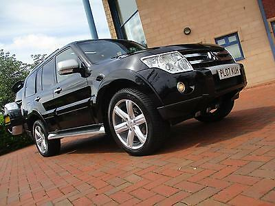 Mitsubishi Shogun 3.2 DI-D Diamond (LWB) Black / Black Colour Combination