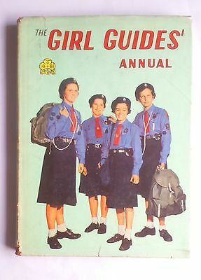 The Girl Guides Annual 1960 with Dust Jacket Sheila Connelly Illustrations
