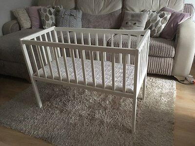 White Baby Cot Bed Crib 90x40 with mattress