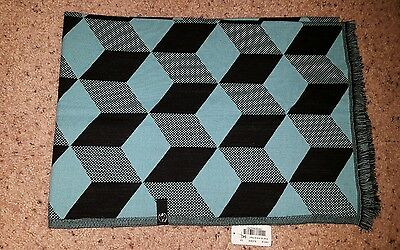 NWT Ivivva Lululemon Wrap Up And Go Scarf in Skye/Black Multi-Color IV9711S