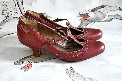1920's flapper GATSBY heels red 1940's ww2 T-BAR vintage CLARKS 5 38