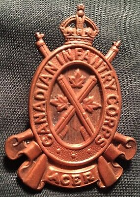 CANADIAN INFANTRY CORPS copper cap badge WWII Canada WW2 CIC hat