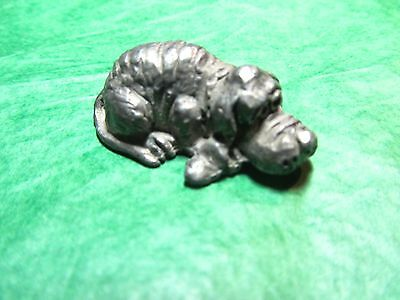 METAL BLOODHOUND PUPPY DOG SILVER SOLID METAL PEWTER? FIGURINE  (101x)