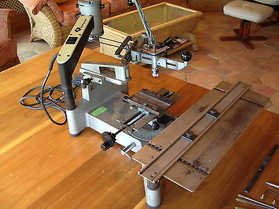 Gravograph engraving machine with type set