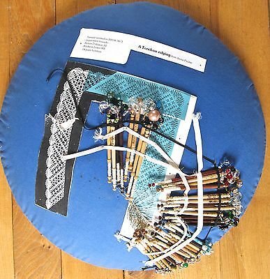 Bobbin lacemakers pillow.patterns & accesories