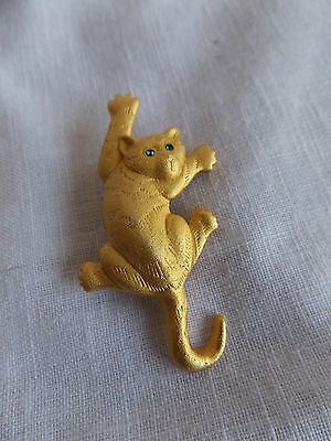 Vintage Gold Tone Cat Climbing with Green Rhinestone Eyes Brooch