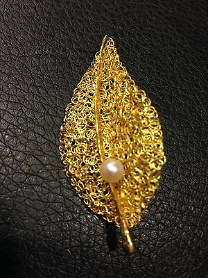 Vtg 18k Gold Italy Brev Unique Leaf With Genuine Pearl Pin Brooch Signed