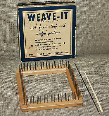 Vintage Donar Products Wood  Weave-It Loom In Box With Needle