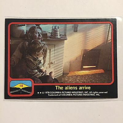 1978 Topps Close Encounters Of The Third Kind Card #18 The Aliens Arrive