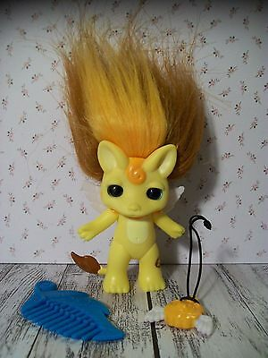 "Medium 2.5"" Zelfs Zelf Troll, Moose Toys - Dandy-Lion, Lion + Accessories"