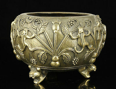 Exquisite Collectible Old Handwork Carving Bronze Frog Swallows Statue Jar