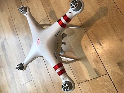 DJI Phantom 3 DRONE ONLY - fully working, perfect for your crash!!