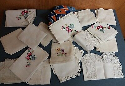Collection  Of  18  Vintage  Ladies  Hankerchiefs -   Various  Items