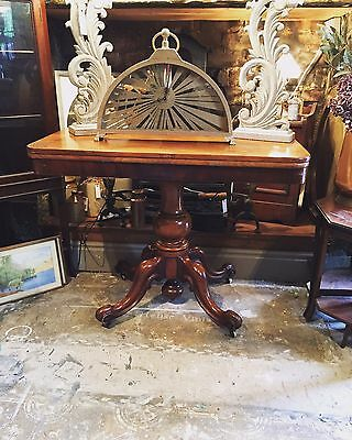 Mahogany Victorian Breakfast/ Dining Table  With Pedestal Leg