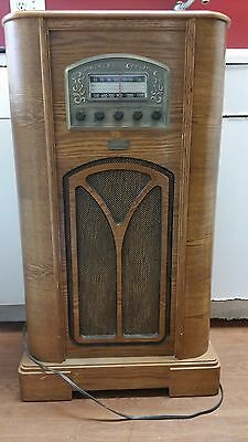 Vintage Thomas Collectors Edition Radio Model 1944
