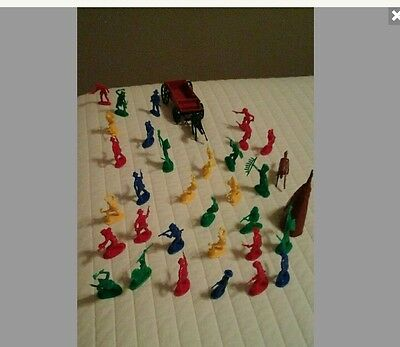 Vintage Cowboys and Indians Horses Wagon Tepee Plastic Toys Lot of 35