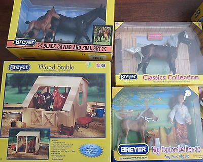 Breyer  Gift  Barn, 4 horses doll , Accessories Retired NEW  SAVE $