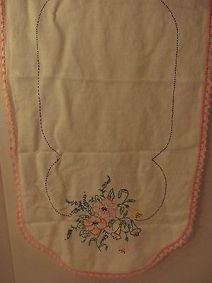 Vintage Handmade Embroidered Table Runner Mat Floral Bouquet