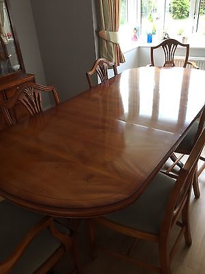 Bradley Furniture Yew Dining Table With 6 Chairs