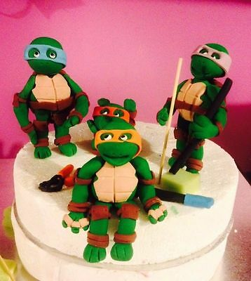 Edible TMNT Ninja Turtle Modelling Paste or Sugar / Fondant Cake topper Set