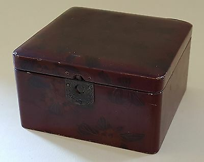 Japanese lacquered wood vintage Art Deco antique small box