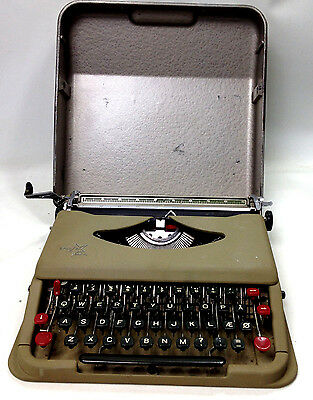 Vintage ANTARES PARVA Portable Typewriter with Original Case Made in Italy