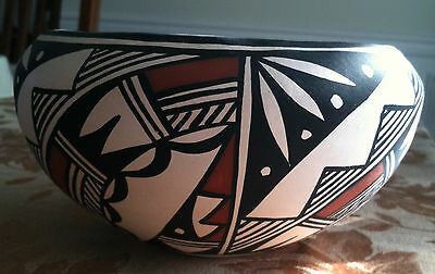 ACOMA Pottery Bowl signed by Nadine Mansfield, Native American artist New Mexico