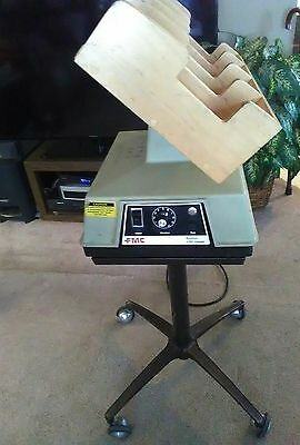 FMC Syntron J-50 Jogger with stand and 4 slot tray