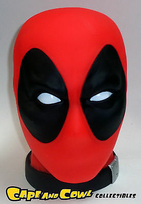 Monogram Previews Exclusive Marvel Comics DEADPOOL 1/1 SCALE HEAD BANK 2015