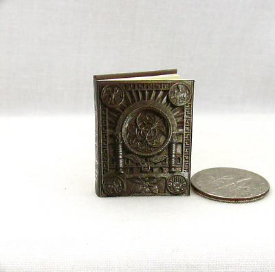 OCCIDO LUMEN Miniature Book Dollhouse 1:12 Scale Illuminated Medieval Manuscript