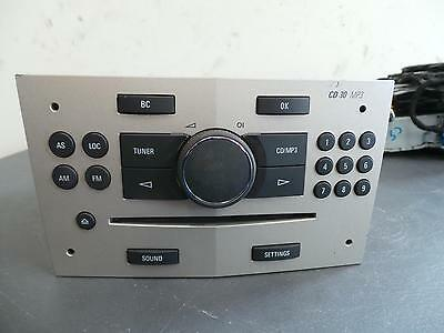 Holden Astra Radio/cd/dvd/sat/tv Ah, Factory, 9 Button On Rh Side, 10/04-08/09 0