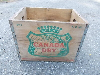 Vintage CANADA DRY GINGER ALE Wood Crate / Box D11 T-3 - 61