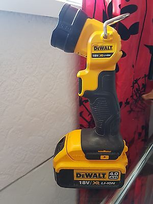 dewalt 18v torch with 4ah battery picclick uk. Black Bedroom Furniture Sets. Home Design Ideas