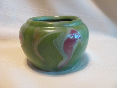 Foley Pottery NB New Brunswick Canada Art Pottery pot green and red !!